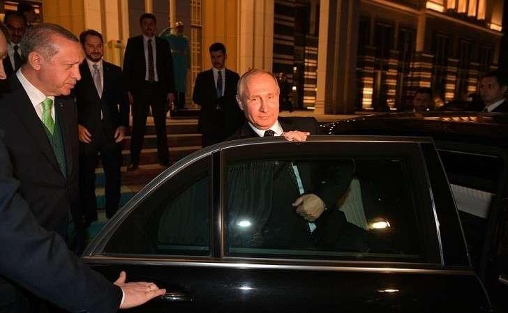 Отъезд изрезиденции Президента Турецкой Республики.