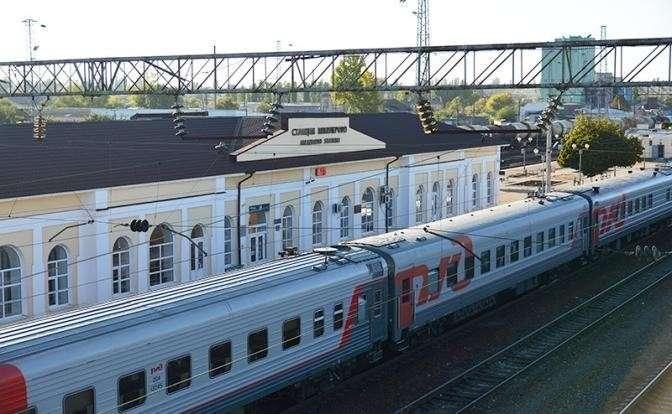 На фото узловая железнодорожная станция Северо-Кавказской железной дороги в городе Миллерово на строящемся участке магистрали в обход Украины