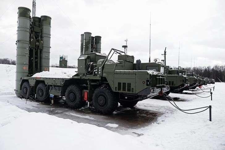 Дивизион С-400 заступил наопытно-боевое дежурство вЛенинградской области