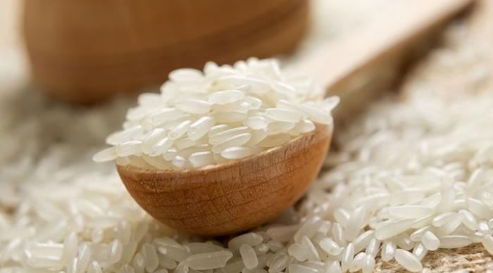 Роспотребнадзор ищет китайский «пластиковый рис» в продуктовых магазинах