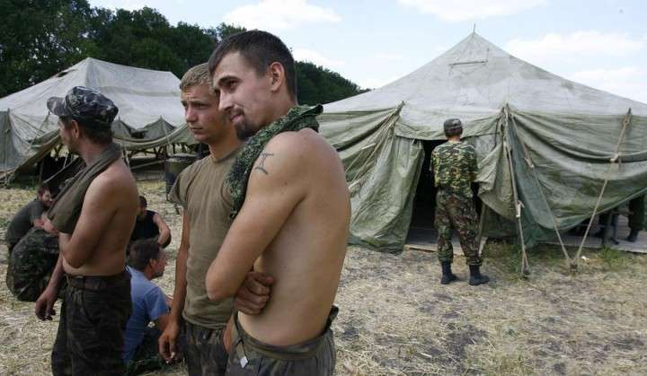Дума предлагает обязать украинских военных, перешедших границу РФ, отработать на общественных работах 30 дней