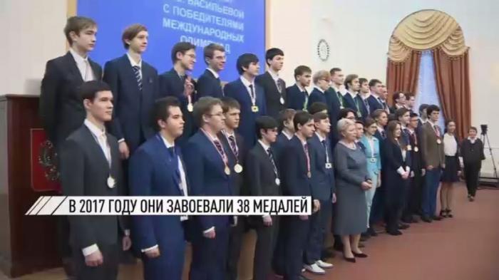 Российские школьники завоевали 38 медалей на международных олимпиадах в 2017 году