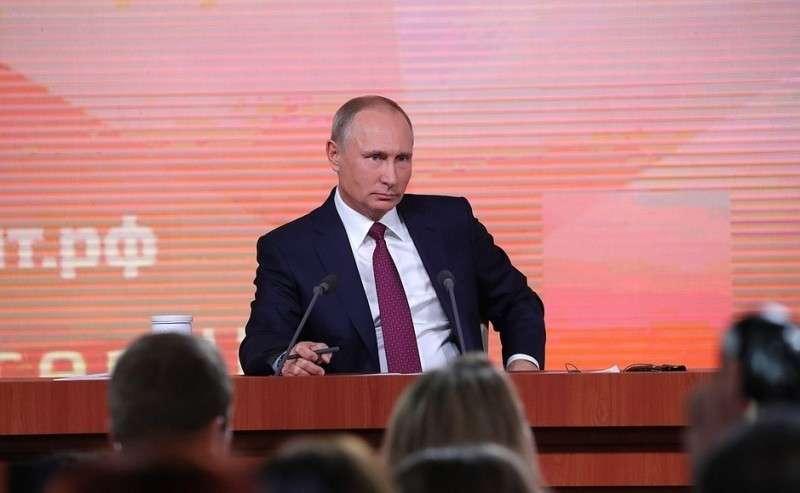 Какие вербальные и невербальные знаки Путин послал во время пресс-конференции