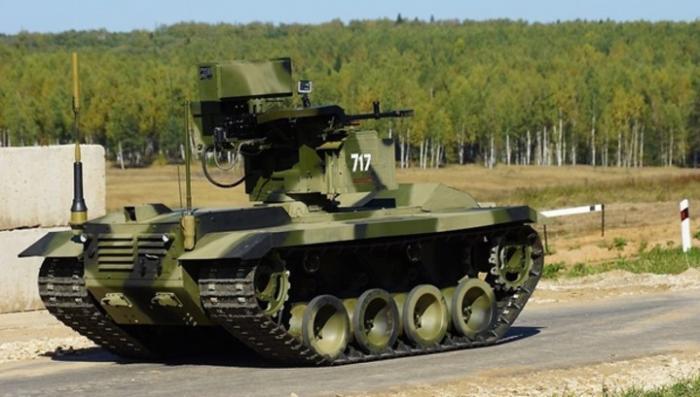 Российские военные готовятся принять в строй боевых роботов