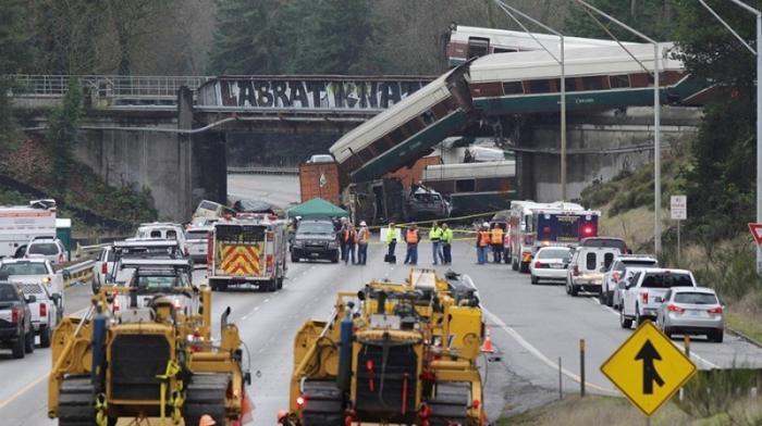 Крушение поезда в США: более 100 человек пострадали