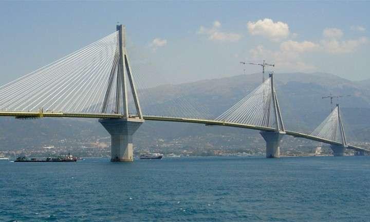Глава Минтранса сообщил Путину о начале строительства Керченского моста