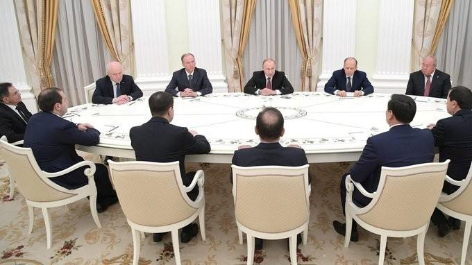 Владимир Путин встретился сруководителями органов безопасности испецслужб стран СНГ