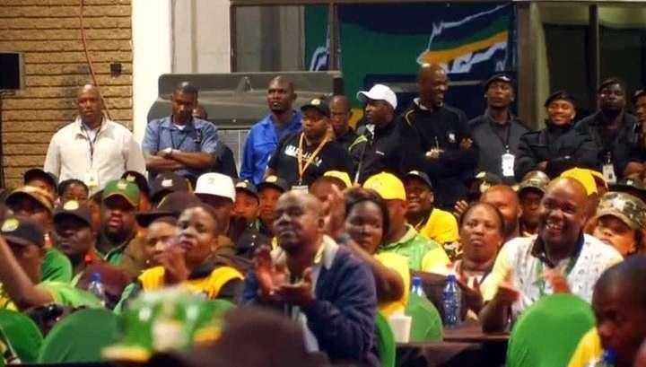 Дискриминация белой расы. Правящая партия ЮАР предложила отбирать земли у белых фермеров