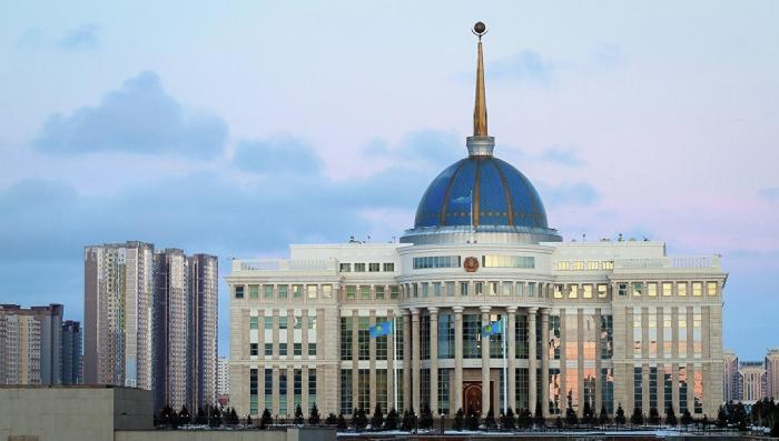 Казахстан: прекращение вещания российских телеканалов – это политика?