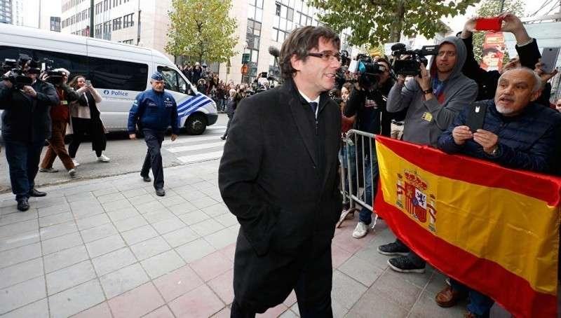 Каталония. ПучДемон заявил о победе республики над испанской монархией