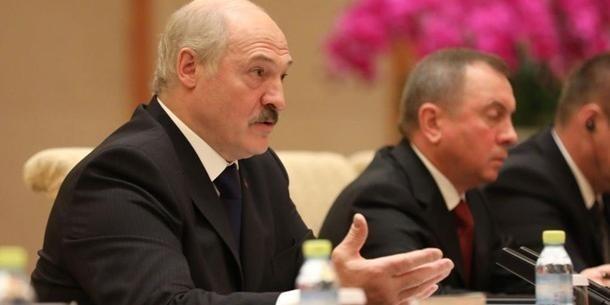 Лукашенке стало скучно жить! Денег хочется! Больших денег