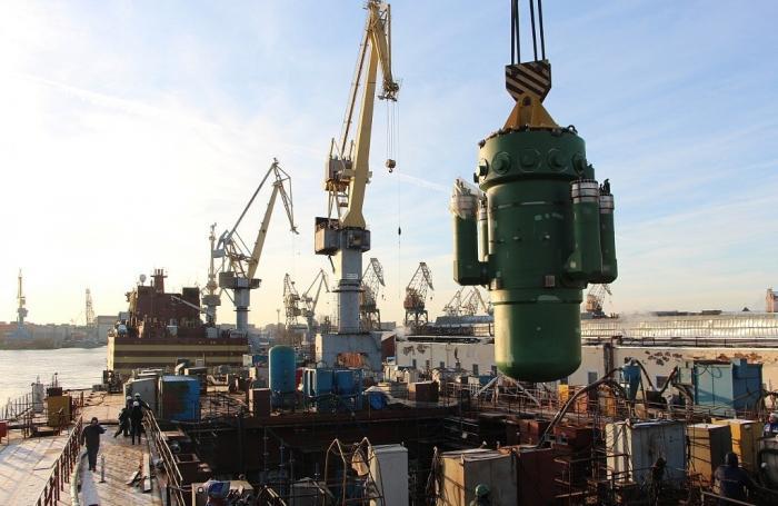 На строящийся ледокол «Сибирь» установлен атомный реактор