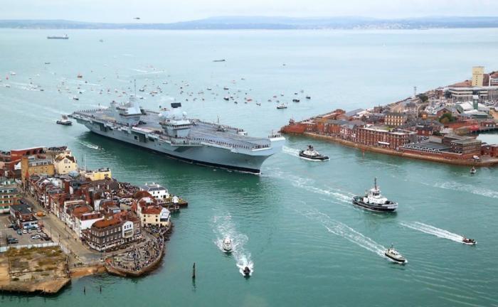 Британский флот сам отдает концы: Владычица морей у «разбитого корыта»