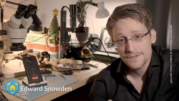 Эдвард Сноуден разработал «мобильного сторожа»