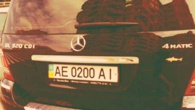 С 1 января автовладельцев Крыма будут штрафовать за украинские номера