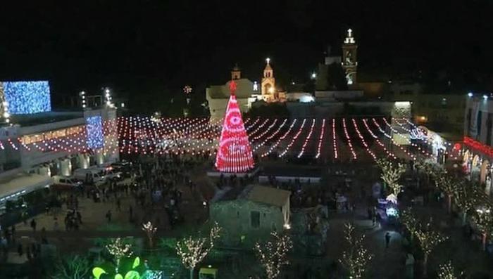 Миллионы христиан отмечают Рождество