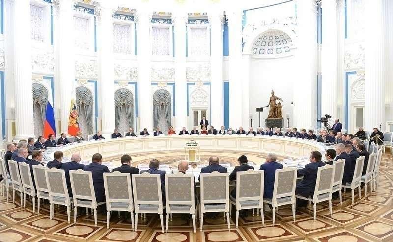 Встреча сруководством Совета Федерации иГосударственной Думы.