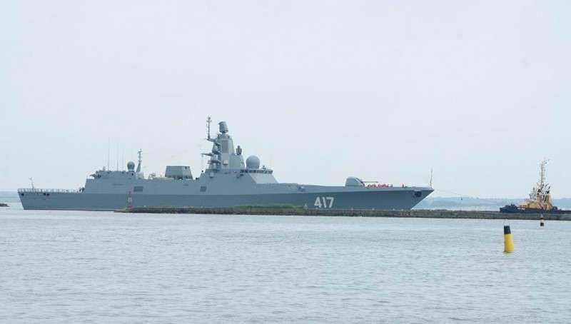 Российский фрегат вызвал истерику британского министра обороны