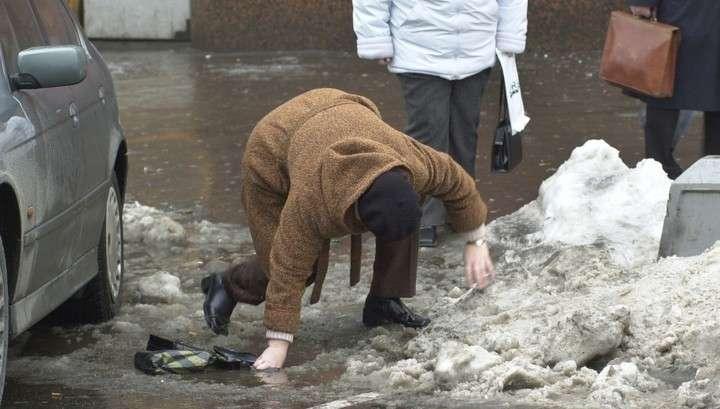 Москву ждет мокрый снег, гололедица и сильный ветер
