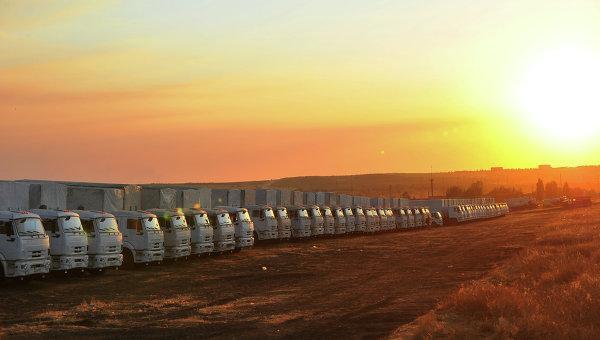 МЧС РФ: 2 тыс тонн гумпомощи готово для второго конвоя в Украину