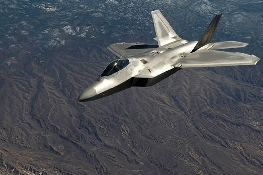 Генштаб России рассказал о провокациях американского F-22 в Сирии