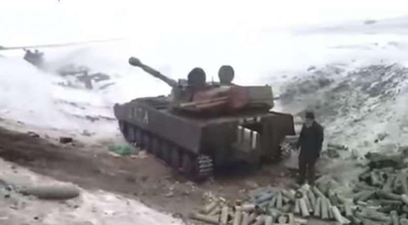 Бойцы ДНР точно попали по САУ карателей ВСУ. Вдрызг 18+