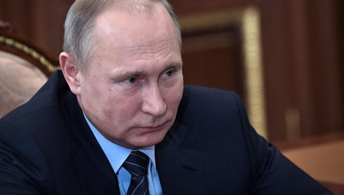 Путин подписал закон о повышении МРОТ до уровня прожиточного минимума