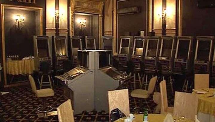В Москве накрыли подпольное казино, расположенное в подвале продуктового магазина
