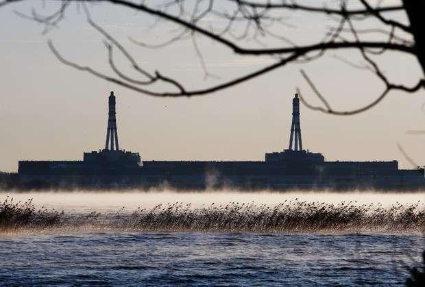 Вид на Игналинскую АЭС с озера. 2009 год