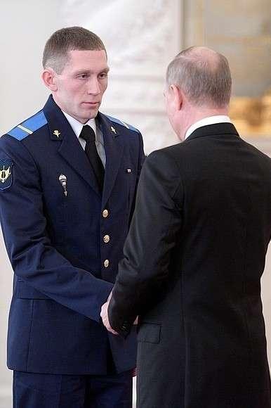 Саратовцу-участнику операции в Сирии президент присвоил звание Героя России