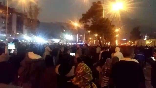 Революционные беспорядки в Иране. Молодёжь требует вседозволенности