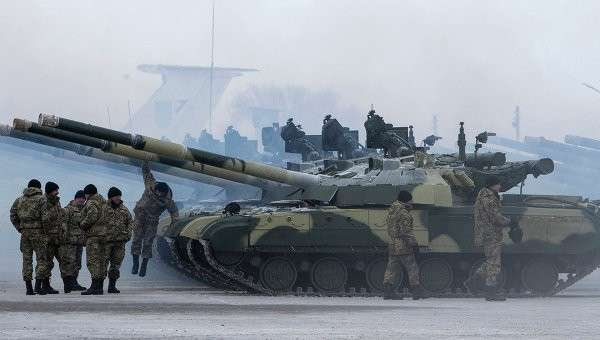 Киевская хунта собиралась расстрелять парламент Крыма из танков в 2014 году