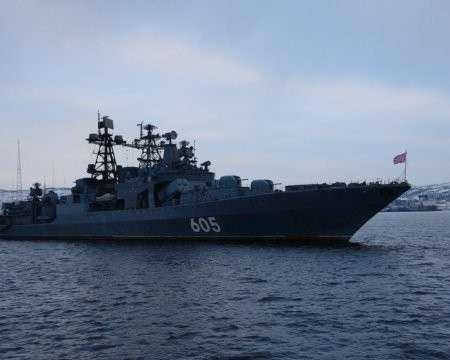 Отряд кораблей СФ РФ идёт к арктической базе ВМФ на Новосибирских островах