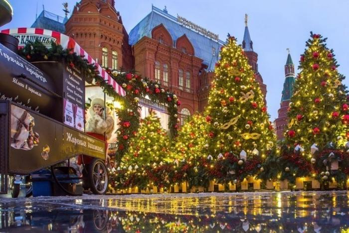 Прогулка по завораживающему сказочному центру новогодней Москвы