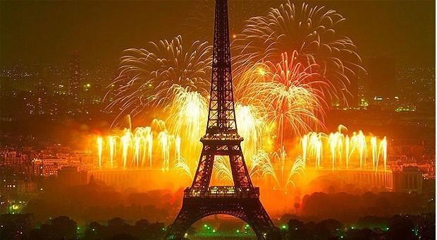 Новый год в Европе: в Париже сожгли 1031 машину, 510 человек арестовано