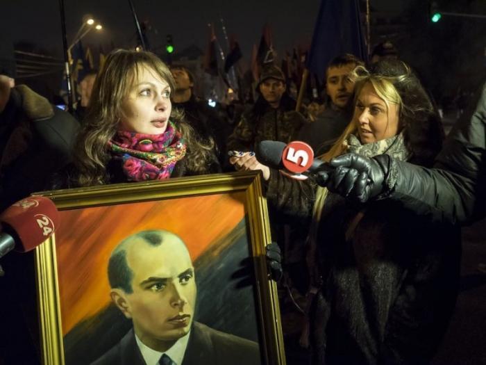 В Киеве жидо-бандеровцы чествовали жида Бандеру