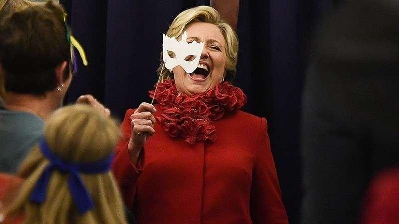 Дональд Трамп ударил по Клинтон перепиской, стоившей ей презинденства