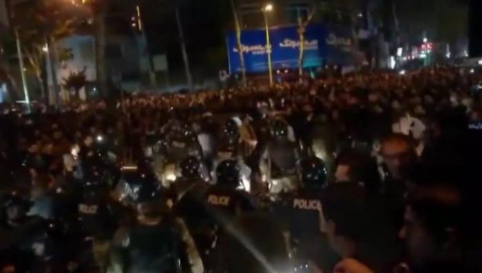 Майдан в Иране. Власти блокируют соцсети и мессенджеры
