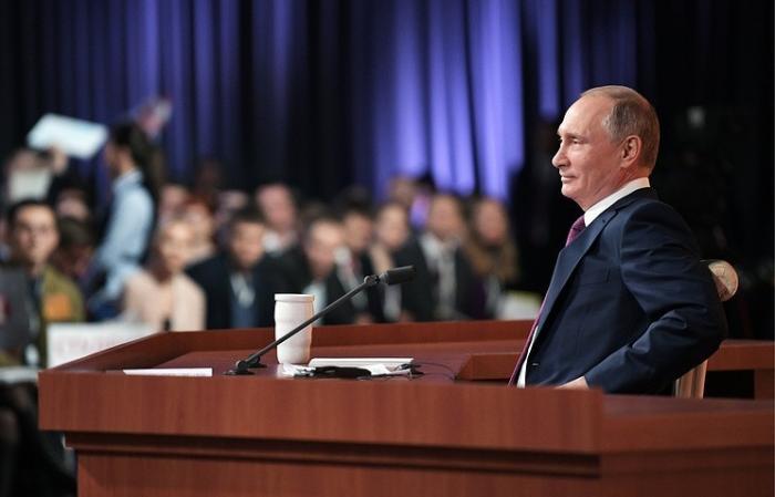 Начался сбор подписей в поддержку кандидата в президенты самовыдвиженца Путина