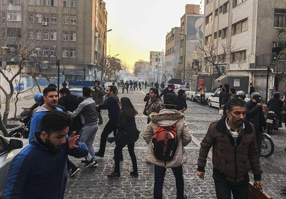 Власти Ирана задержанных протестующих отпустили а саботажников арестовали