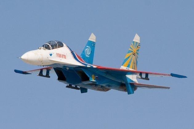 Иностранцы о посадке Су-27 без шасси: «Попробуйте это сделать на пластиковых F-22»