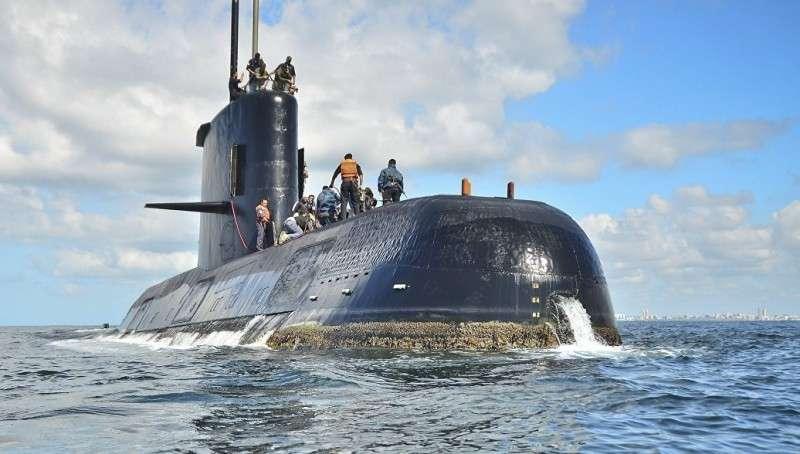Подлодка Аргентины: семьи моряков просят о встрече с президентом