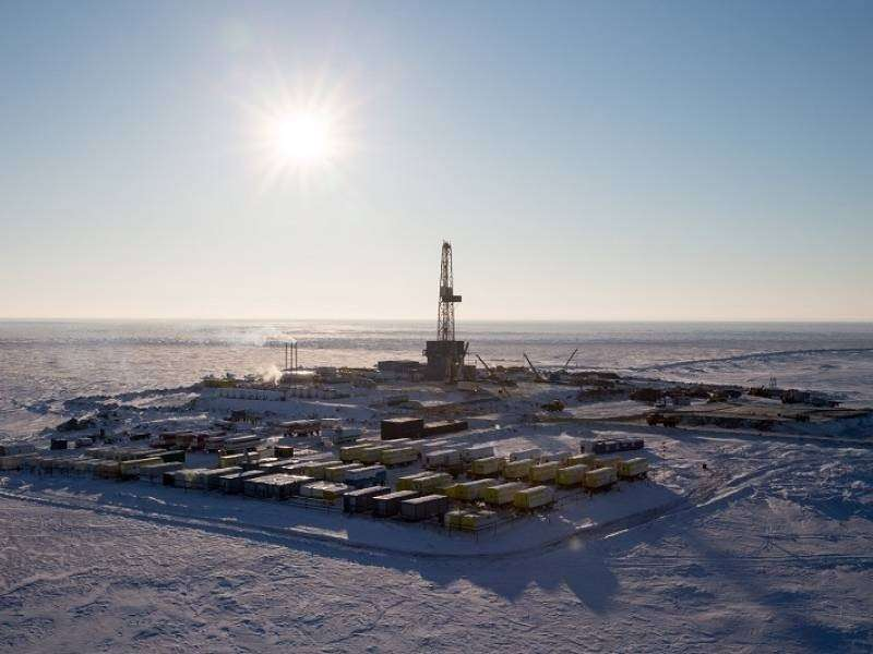 Нефть и газ остались только у России. Остальной мир нервно курит в сторонке