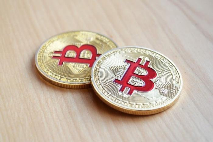 Чиновники разрешили себе прятать доходы в криптовалюты