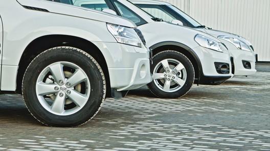 В Туркменистане запретили женщинам садиться за руль и автомобили всех цветов, кроме белого
