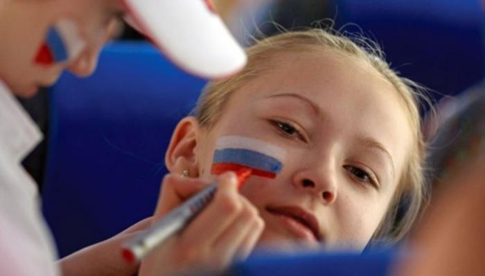 Согласно опросу большинство российских школьников считают себя патриотами