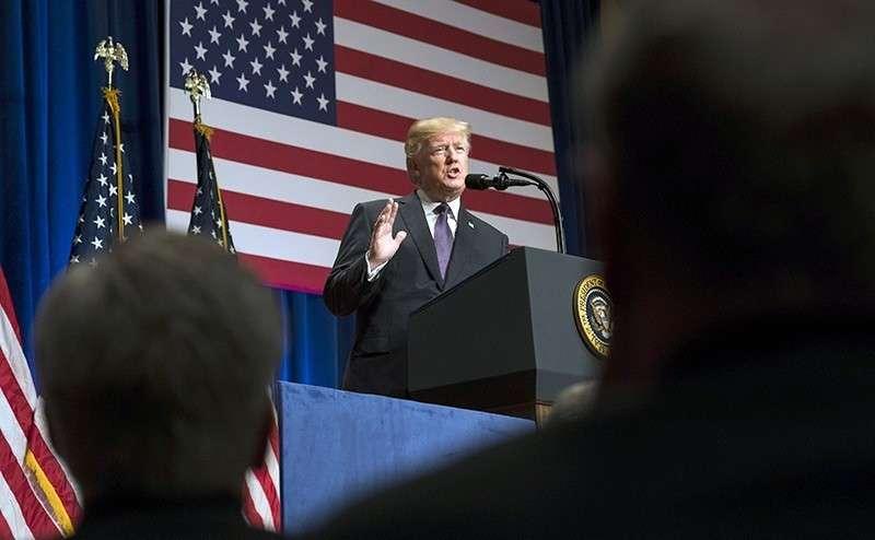Трампа подстрекают к «кремлевскому бунту»