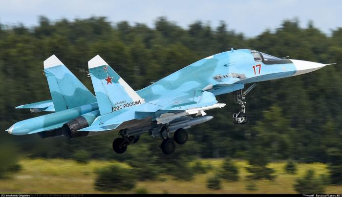 «Сухой» передал ВКС первую вэтом году партию фронтовых бомбардировщиков Су-34