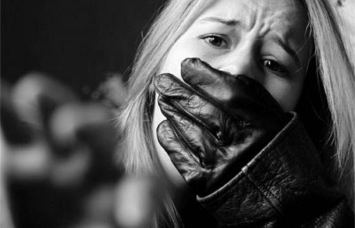 ЕС: чернявые беженцы превратили жизнь белокурых шведок в ад