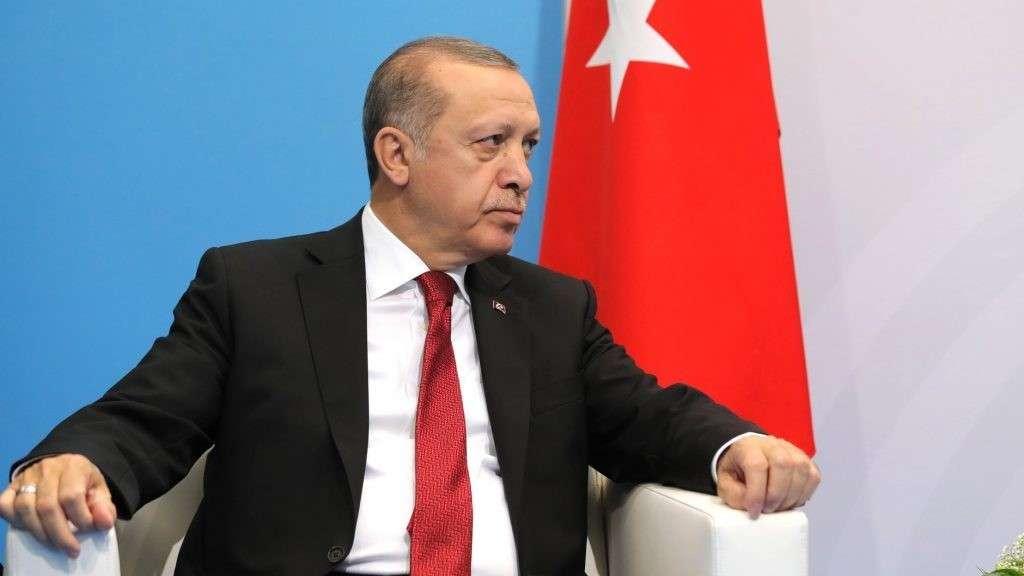 Турция начала операцию против сирийских курдов и призывает США принять в ней участие